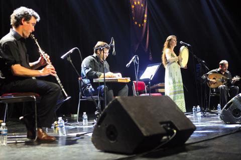 Musique traditionnelle avec le groupe Xanthalou Dakovanou