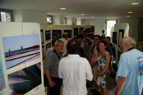 L'exposition photos avec les villes jumelles
